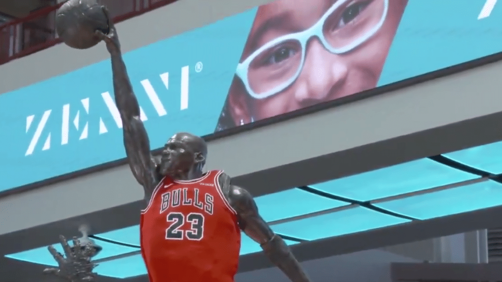 Zenni ad at Bulls game